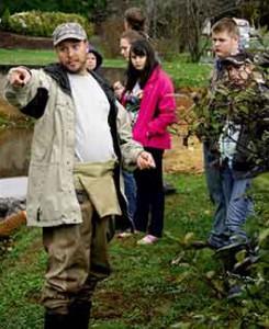 Jason-Meador-kids-in-creek